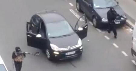 З'явилися фото та відео теракту в Парижі