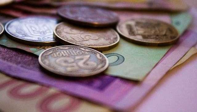 Нардепи жаліються на затримку виплати зарплат