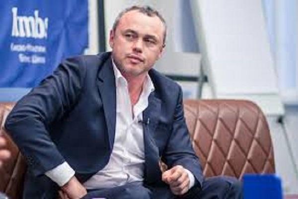 Евгений Черняк продолжает давить на СМИ и чистить Укр.нет