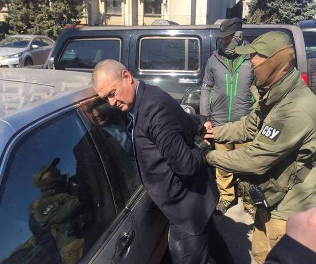 Неисправим: известного топ-чиновника Одесской ОГА поймали на взятке