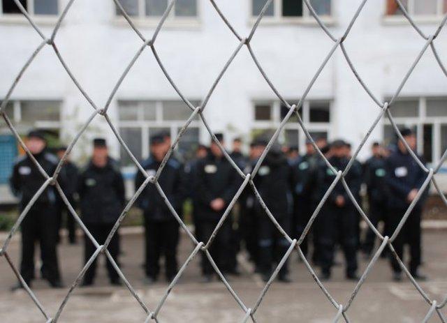 Бывший заключенный одной из колоний в «ДНР» рассказывает о «цехах» аферистов