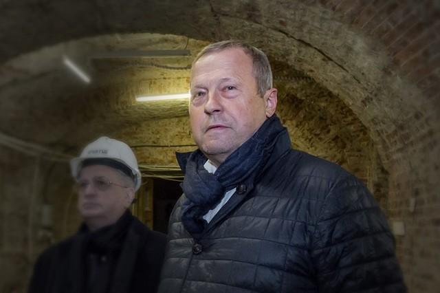 Замглаве Эрмитажа продлили домашний арест на три месяца