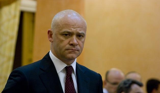 Труханов и его заместитель сдали паспорта