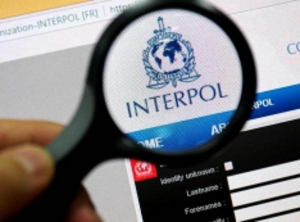 Редакция «Компромат-Урал» добилась возобновления уголовных дел экс-банкира Александра Полякова. И выявила новые нестыковки