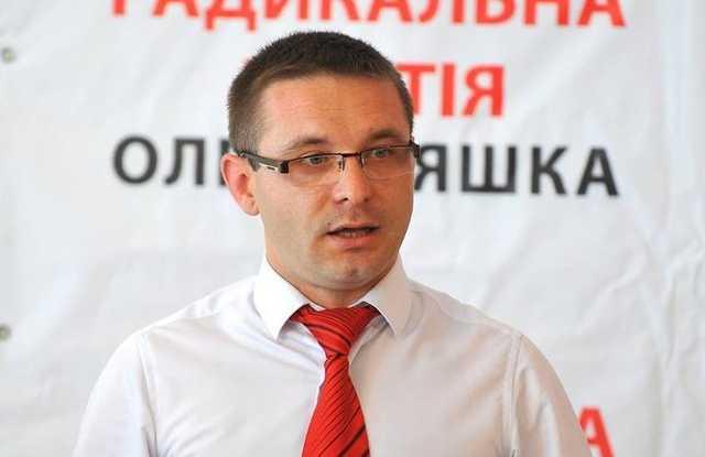 """Под Житомиром депутат нагло обманул детей с """"подаренными"""" ноутбуками"""