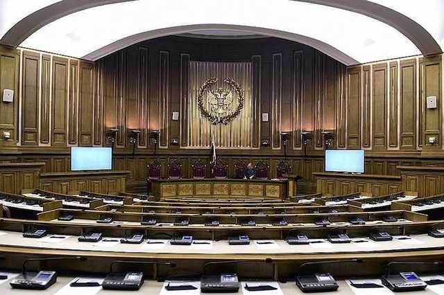 Верховный суд предложил освободить обвиняемых в мошенничестве при поставках сухпайков для МВД и Минобороны