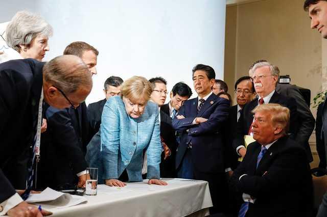 Швырнул конфеты: стало известно о стычке Трампа и Меркель на саммите G7 из-за России