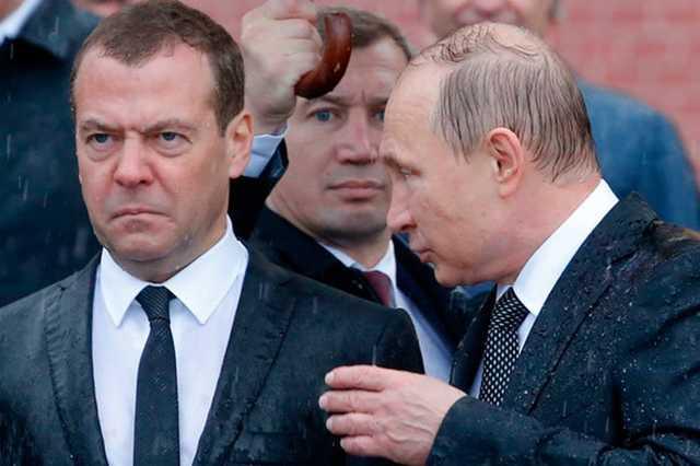 ВЦИОМ: рейтинг одобрения работы Путина и Медведева снизился из-за пенсионной реформы и цен на бензин