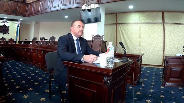 Судья Киевского окружного админсуда Валерий Журавель: «судит» украинцев всей своей родней