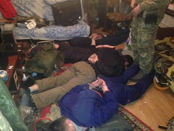 В Киеве обезврежена ОПГ торговавшая наркотиками и оружием с Донбасса