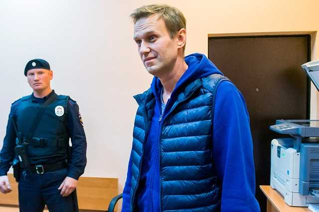 Суд назначил Навальному еще 20 суток ареста
