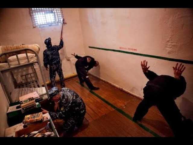 Телеканал «360» опубликовал видео пыток в камере СИЗО Ногинска. Один из пытавших назвал ролик постановкой