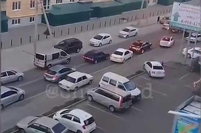 Полиция Адыгеи проверяет видео со стрельбой из свадебного кортежа
