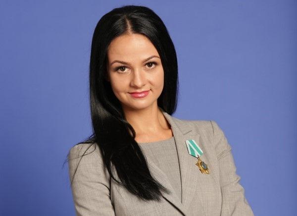 Ольга Глацких: ворюга бюджета, спонсор-депутат и семейный бизнес