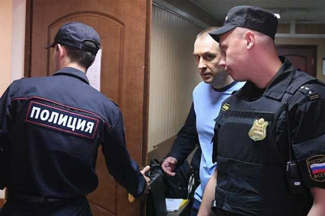 Генпрокуратура потребовала изъять имущество подельника полковника Захарченко