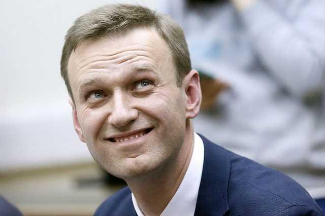Навальному разрешили покинуть Россию