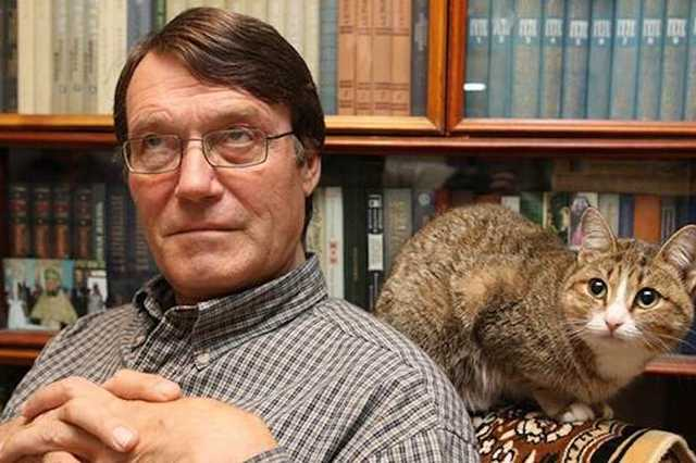 В Москве ударили ножом поэта Ивана Жданова