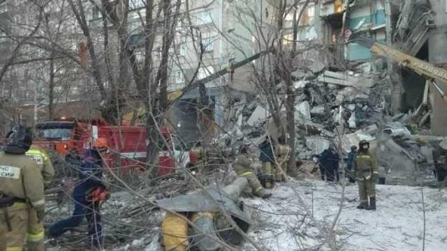 В Магнитогорске рухнул подъезд жилого дома
