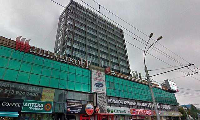 В центре Новосибирска избили журналиста и сотрудника вуза