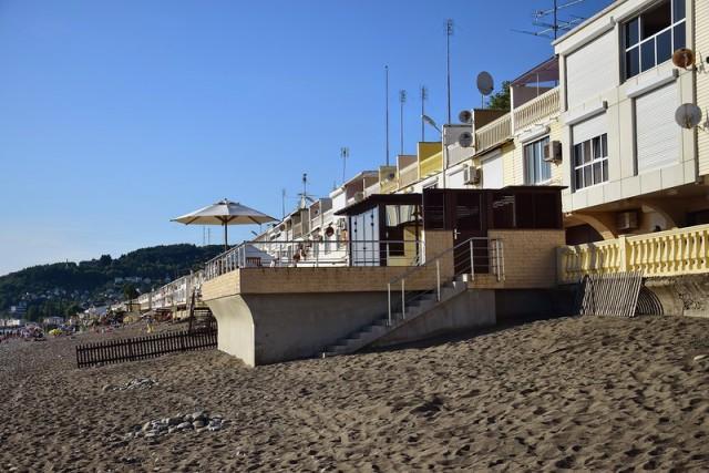 Частный бассейн на общественном пляже депутата Госдумы Юрия Напсо