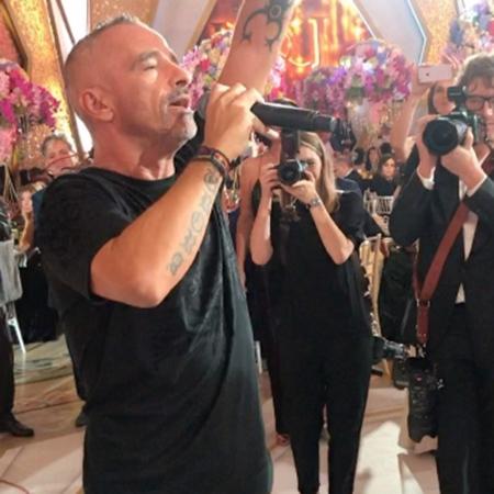 Эрос Рамазотти спел на свадьбе армянина Карапетяна — фото 74533